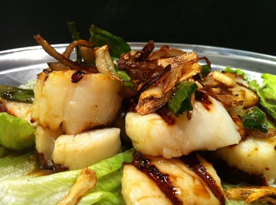 Slow Boat: GRILLED SCALLOPS IN SPRING ONION & SHALLOTS