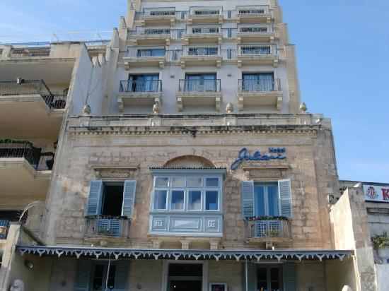 Hotel Juliani: Front of the hotel