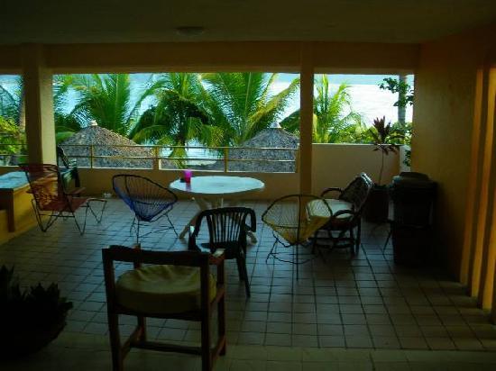 Avila Ixtapa: The ocean view balcony was gigantic!