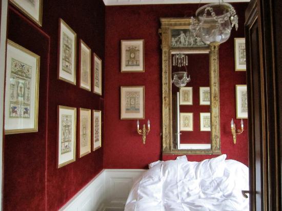 Park Mansion: спальня