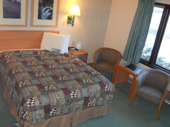 Travelodge Kalispell: Single Queen -Upgraded/Deluxe