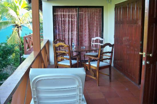 De Reef Apartments: de reef apts balcony bequia