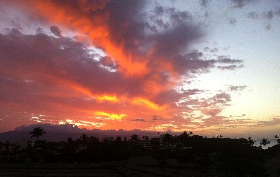 Maui Eldorado : Coucher de soleil vu du balcon!