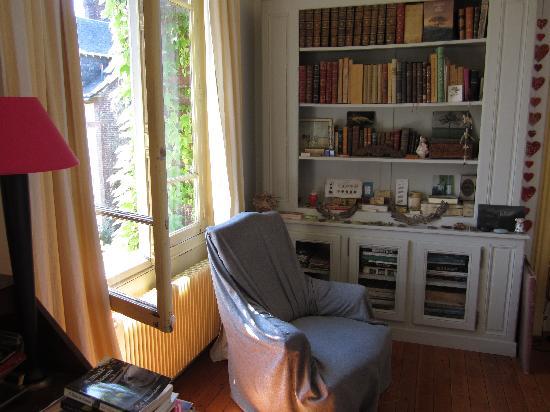 Chambre picture of chambres avec vue mont saint aignan for Chambre avec vue salvador