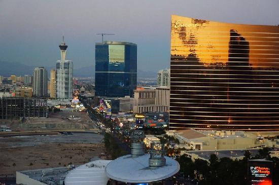 36th Floor Room Third Photo - Treasure Island - TI Hotel ...