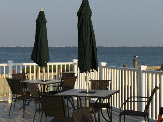 Antoinetta's Restaurant: deck view