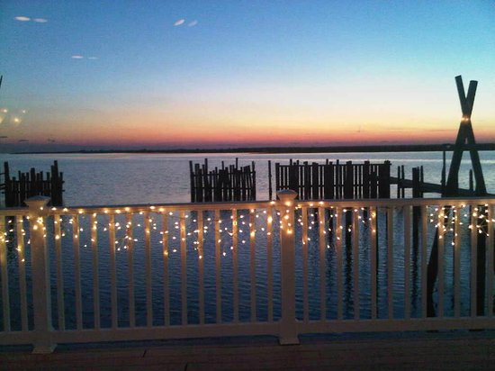 Antoinetta's Restaurant: Winter sunset
