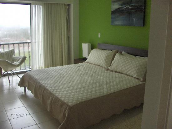 Jaco Bay Resort Condominium: Master bedroom
