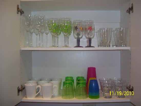 Jaco Bay Resort Condominium: Glasses & Stemware - glass, plasctic & acrylic for outdoor use