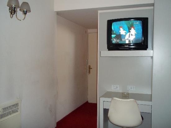 فيكتوري هوتل: TV