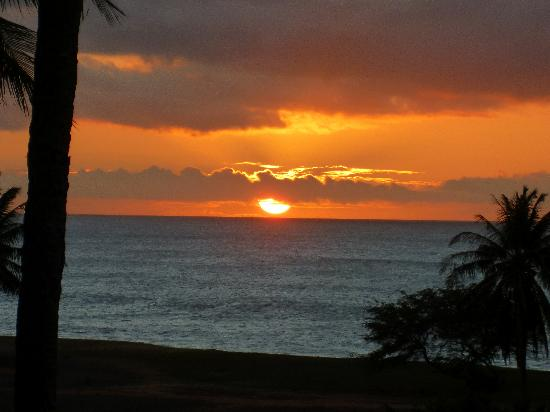 Castle Kaluakoi Villas: Magnifique coucher de soleil de notre terrasse