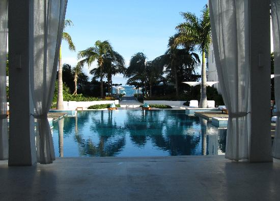 Gansevoort Turks + Caicos: Pool View from Reception