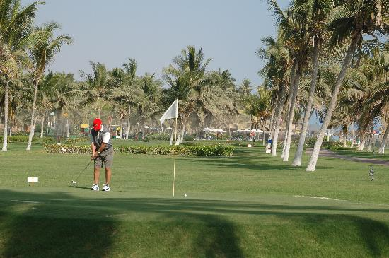 Crowne Plaza Resort Salalah : golf course near the outside pool