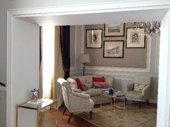 The St. Regis Florence: Suite 208 - Dante Suite