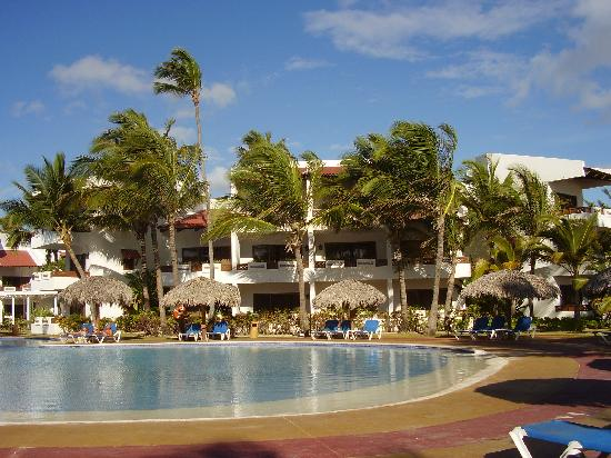 Occidental Grand Punta Cana: Une des piscine