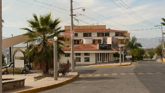 Excelaris Grand Resort Conventions & Spa : Excelaris Plaza
