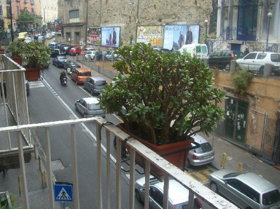 B&B Terra Mia: street view from the balcony's room