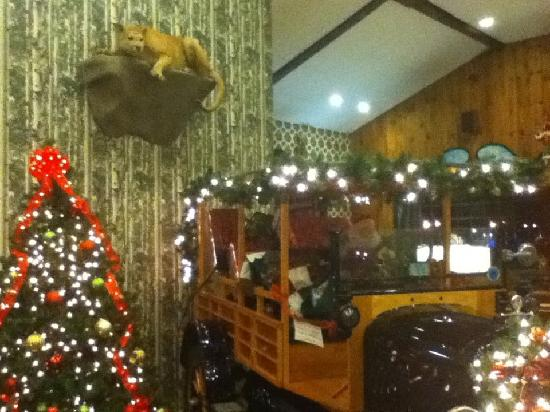 Green Granite Inn & Conference Center: Almost too decorated?  But FUN.