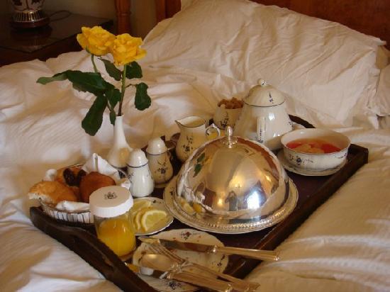 The Goring: Breakfast in bed
