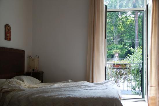 Bed & Breakfast Il Giardino Segreto : chambre spacieuse