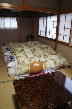 Tourokuya : Our Bedroom and sitting area