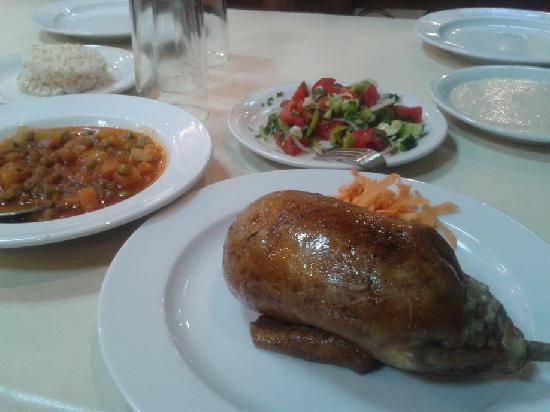 El Masry: set meal of stuffed pigeon