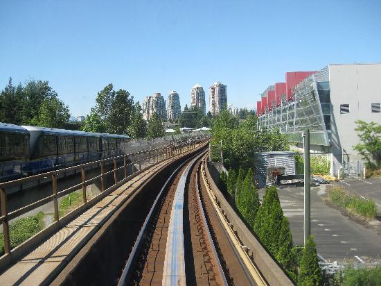 SkyTrain : City view.