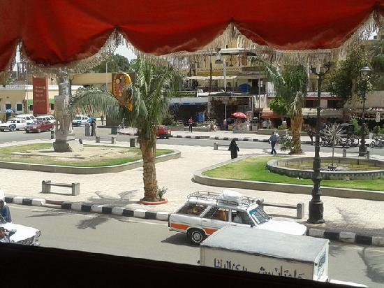 view of the street from Biti Pizza