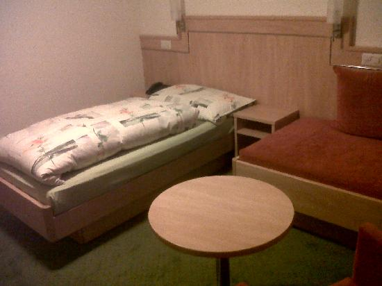 Hotel Restaurant Buchserhof: the  single bed