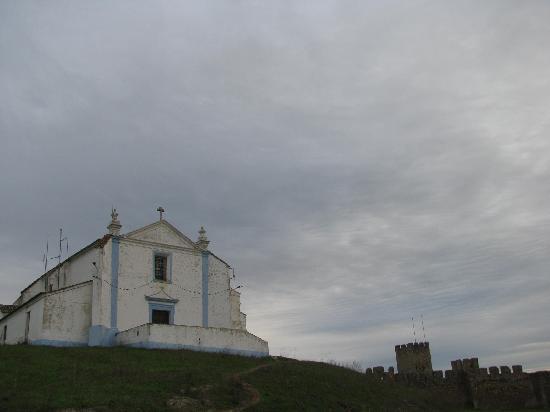 Arraiolos Castle : The church
