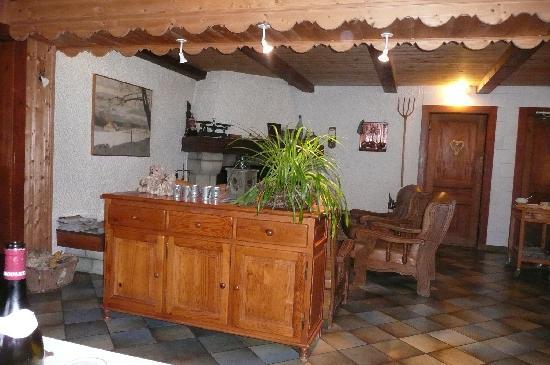 Le Tillau : intérieur du restaurant Tillau