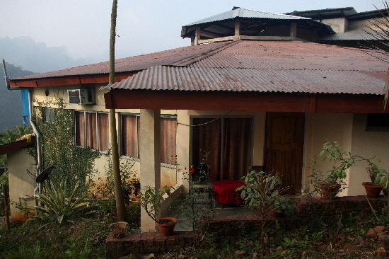 Brahmaputra Jungle Resort: Block with 6 rooms