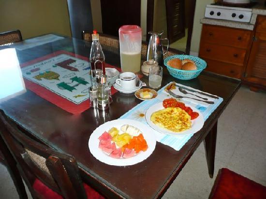 el81 Guesthouse: Lovely breakfast!