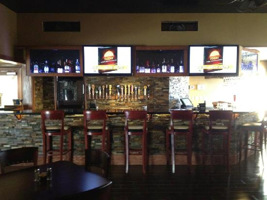 The Northern Pines Restaurant: The Bar