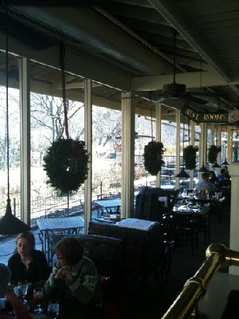 Lambertville Station Restaurant: Christmas eve overlooking tracks and canal