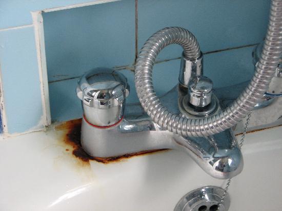 Briquet Cottages: Extensively refurbished bathroom - NOT