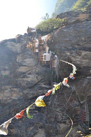 Taktsang Palphug Monastery: 2