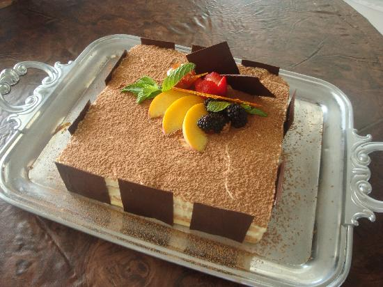 Bistro in Vivo: A summer Tiramisu served on the platter provided by the restaurant