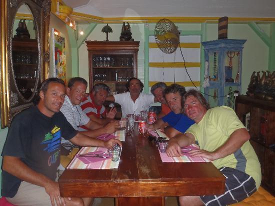 Couleurs du monde: Previo a la cena con amigos