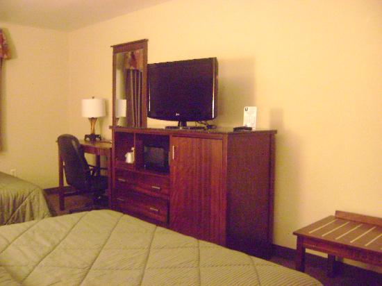 Comfort Inn - Midtown: tv, desk