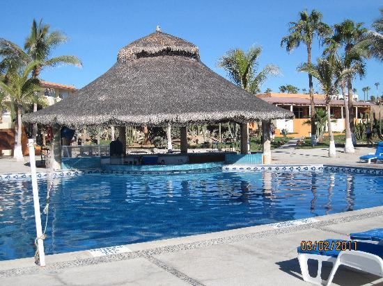 Posada Real Los Cabos: pool area and swim up bar