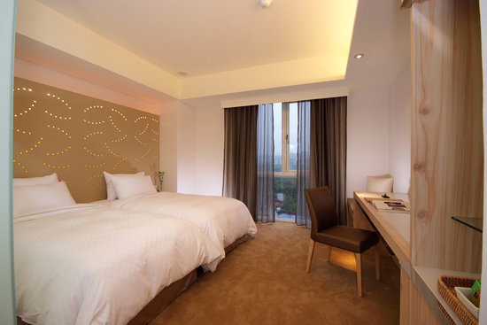 Dandy Hotel - Daan Park Branch: Elite twin room with view