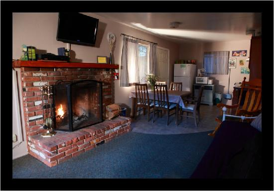 Sleepy Hollow Cabins and Hotel : Our Cabins