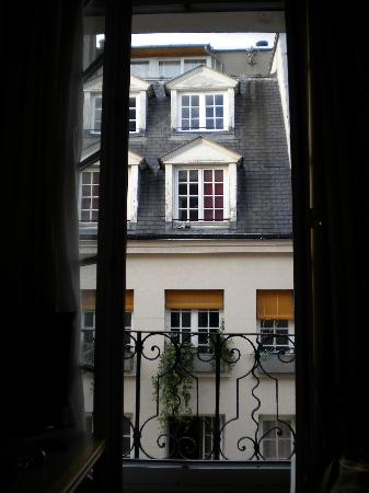 Hotel de Lutece: View from window 442