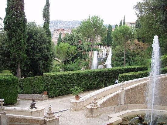 Villa d'Este, Tivoli - Image of Tiber Limo Rome, Italy