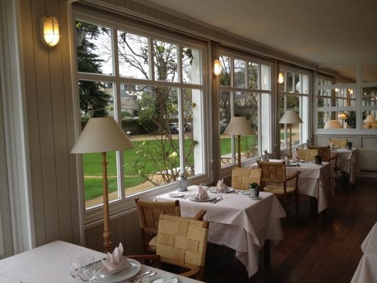 Locquirec, France: La salle de restauration