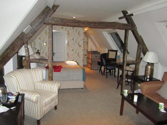 The Fleece at Cirencester: Room view (23?)