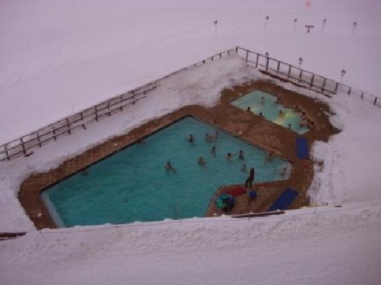 Portillo Hotel: Piscina no meio da neve