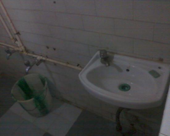 Sri Ganesh Bhavan: Rest room