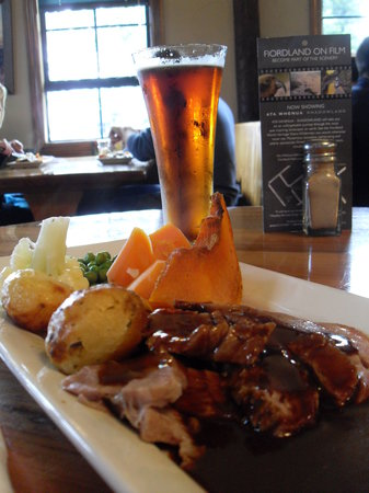The Ranch Cafe Bar & Grill : Roast Lamb
